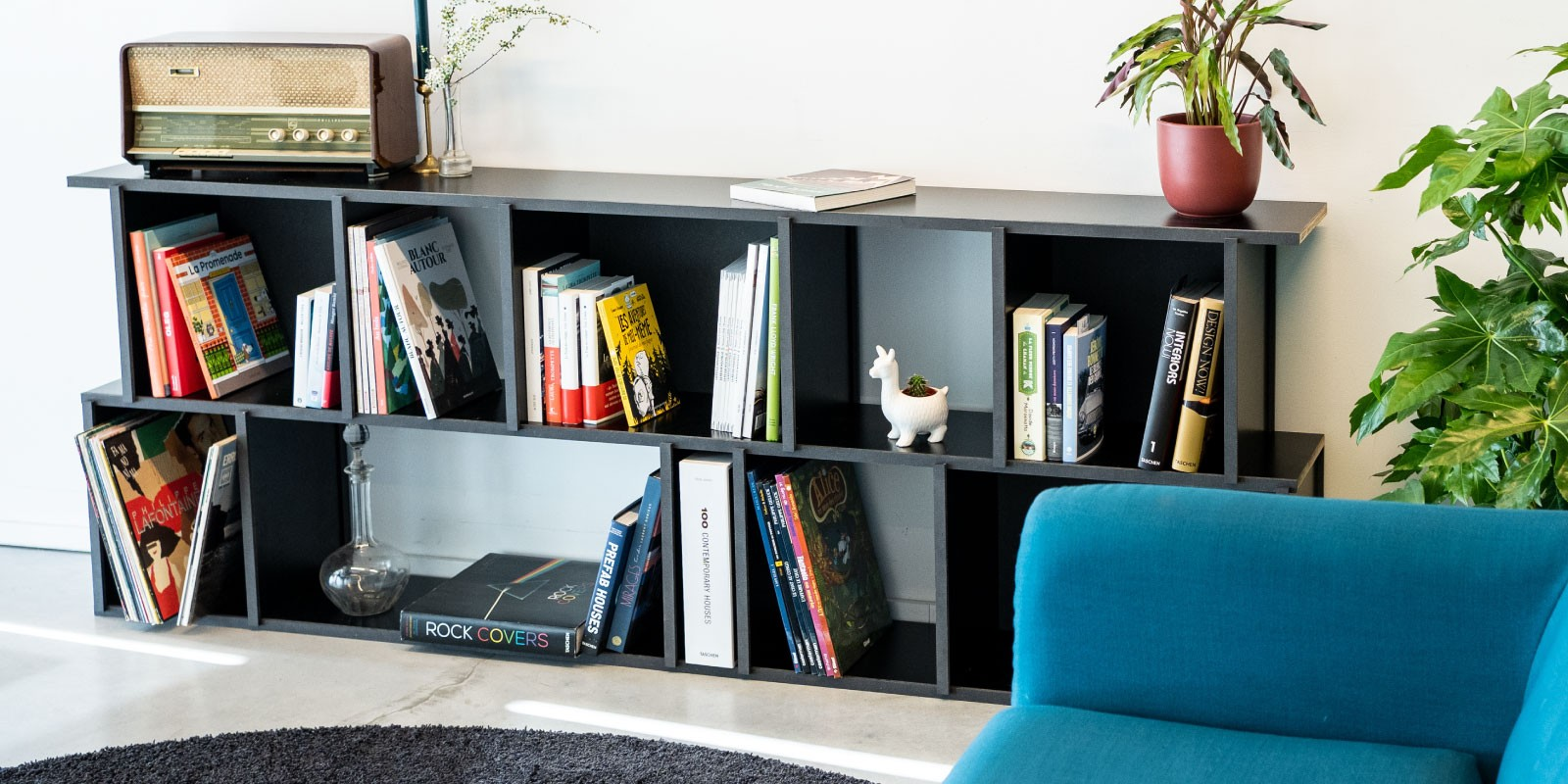 Made-to measure, customised bookcase
